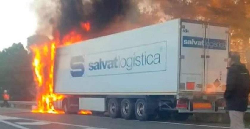 camion que incendiado larboc 1579168471875