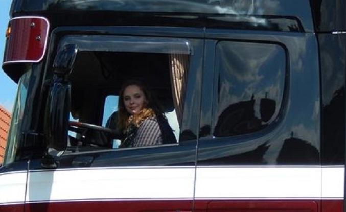 kvindelig chauffør 1