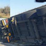 Las fuertes rachas de viento vuelcan dos camiones en Cingoli