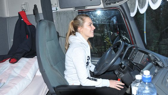 1860x1050 vrouwelijke vrachtwagenchauffeurs vertellen elke yland 12 teaser2