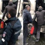 La angustia de un camionero con el vehículo en llamas y los extintores de un generoso compañero y un automovilista