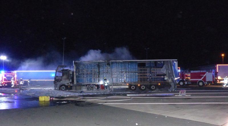 Se le quema el camión mientras estaba en el baño en el área de descanso de Aurach Nord