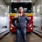 Mandy Quinten:  Descargar un camión con  Transpaleta Eléctrica no es difícil