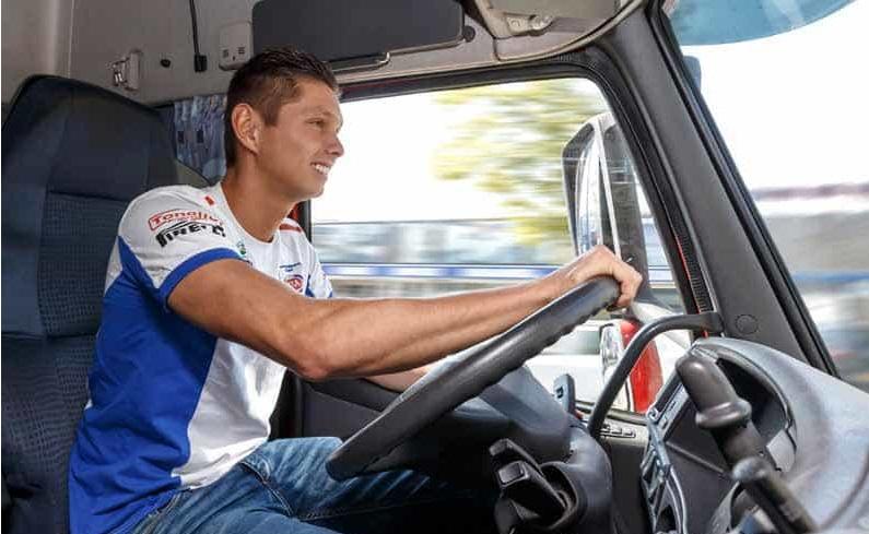 Michael van der Mark als vrachtwagenchauffeur