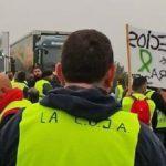 Agricultores cortan el tráfico sin autorización en la A4