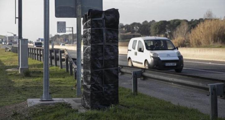 Transit envuelve el radar saboteado de la A-2 en Riudellots sin previsión de arreglarlo pronto