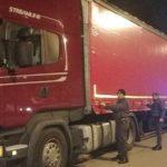 Denunciado e incautado un camión con 27.000 litros de diésel de contrabando