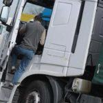 Un camionero recibe una paliza, por reclamar las horas extras a su empleador