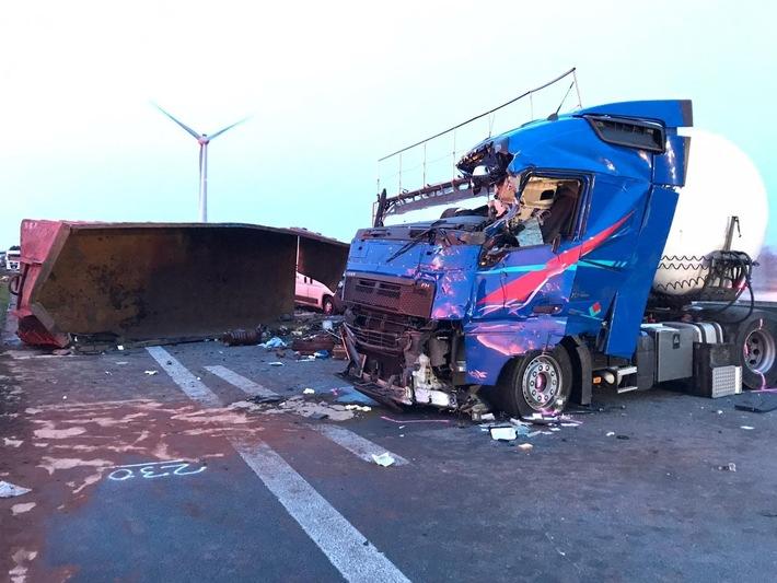 Un camionero muerto y cuatro heridos por la pérdida del contenedor del camión, cuyo conductor ebrio y sin licencia en la Autobahn 31