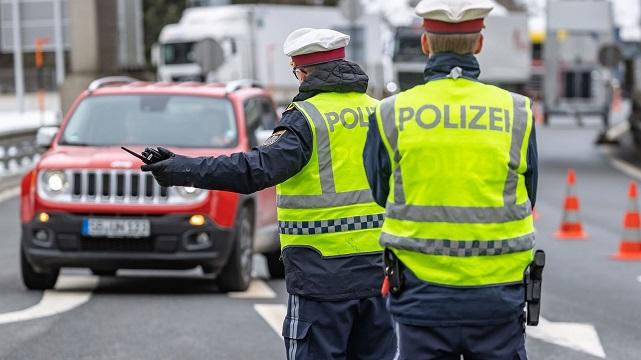 Austria bloquea la entrada a todos los que llegan de Italia. Sólo es posible con un certificado médico.