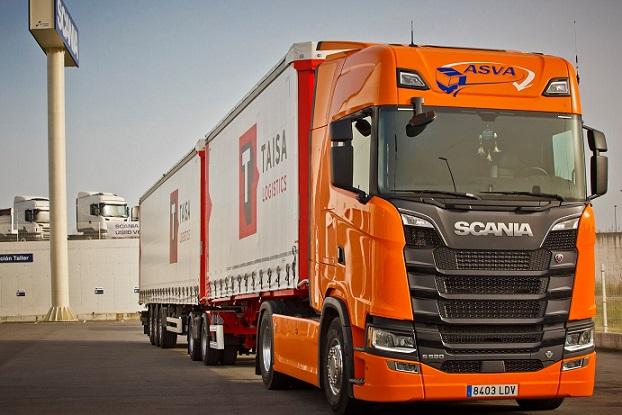 Un Scania V8 lleva el primer Megacamion de ASVA