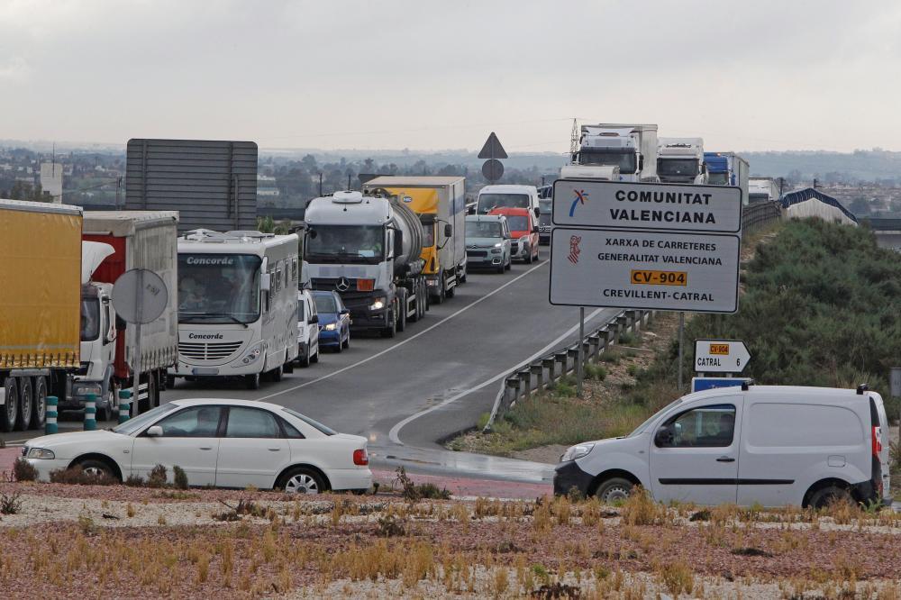 Estos son los transportes y trabajos esenciales no afectados por el confinamiento