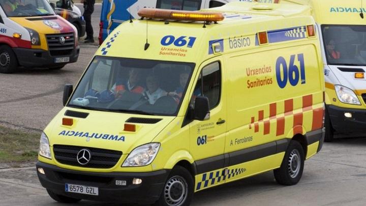 imagen de una ambulancia del 061 de galicia 15