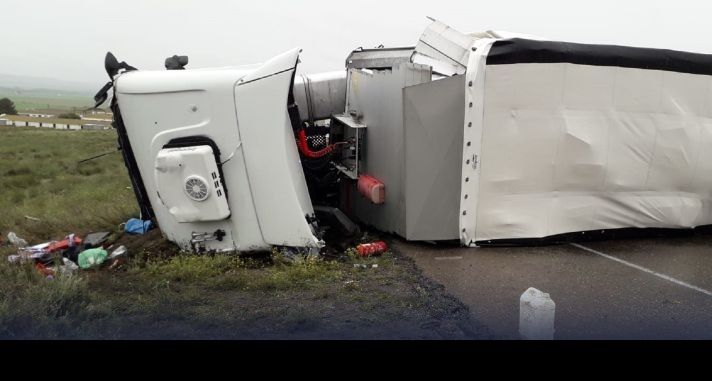Muere un camionero en otro accidente en el tramo sin desdoblar de la N-II, en Pina de Ebro