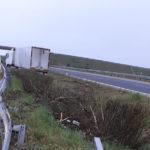 Cortada la A62 por el accidente de un camion en Cañizal