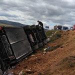 Un fallecido y un herido leve tras volcar un camión en la A-33 en Jumilla