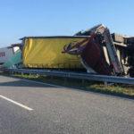 Dos camioneros mueren en la colisión de 22 camiones por la niebla en Bulgaria