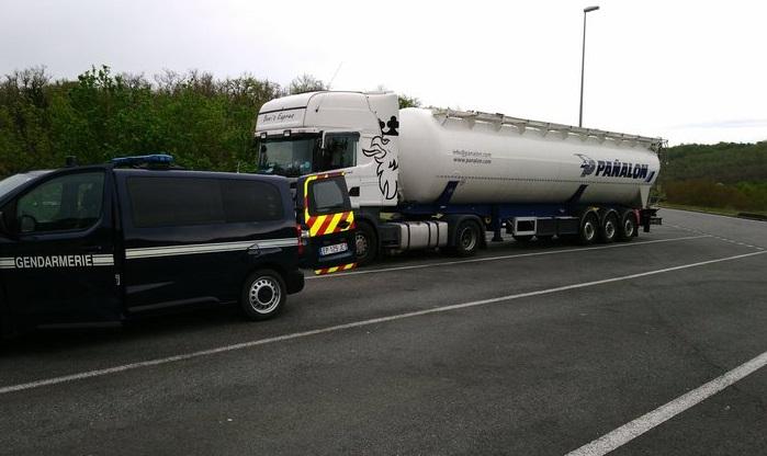 Interceptado un camión español, con 8 excesos de velocidad en menos de 4 horas, llegando a 129 km/hen la A20 Francia