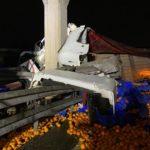 Fallece un camionero de 39 años, al colisionar contra el pilar de un puente con dos coches implicados