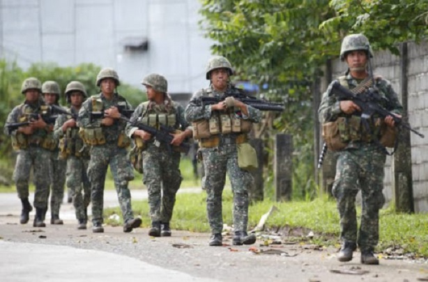 El presidente de Filipinas ordena «disparar a matar» a los que salten la cuarentena
