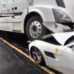 Camionero furioso destruye el Ferrari del jefe valorado en 300.000 € después de una discusión