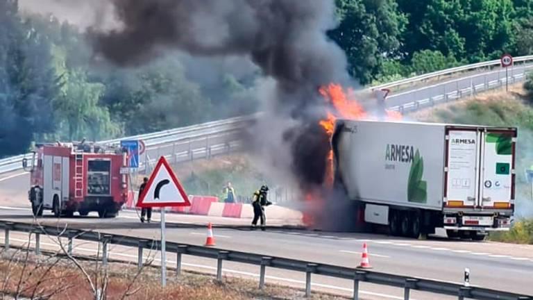 incendio camion 14470603 20200501162940 1