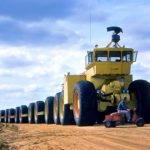 Más de 4.000 CV, 54 ruedas motrices y 173 metros de largo. Así era el loco camión  todoterreno de EEUU nacido de la Guerra Fría