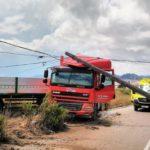 Un camionero herido tras chocar contra un poste de la N-344 en Yecla