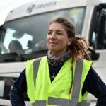Retrato de una camionera de «Geodis» para uso interno las califica la empresa de ¡Geniales!