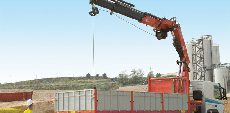 Materiales de construcción Illa SL, necesita conductores gruistas carné C camión 12 tn 1.750 a 2.000 €
