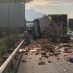 Dos camiones colisionan en la autopista AP-7 en Fogars de la Selva
