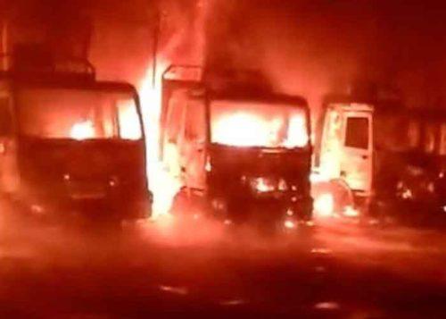 El conflicto entre camioneros y los indígenas chilenos culminó con el incendio de más de 80 camiones