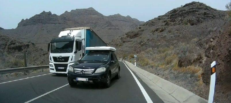 «No frena el Puto camión»  La culpa no la tiene el del camión.