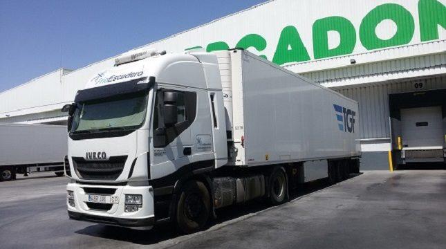 Frío Escudero necesita dos segundos conductores de tráiler C+E «aprendices» para realizar transporte internacional