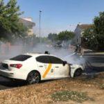 Se quema el famoso y lujoso Taxi Maserati de Sevilla valorado en 130.000 euros