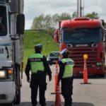 Camionero preso por «propagación de coronavirus» por bajar del vehículo para controlar la descarga en Argentina