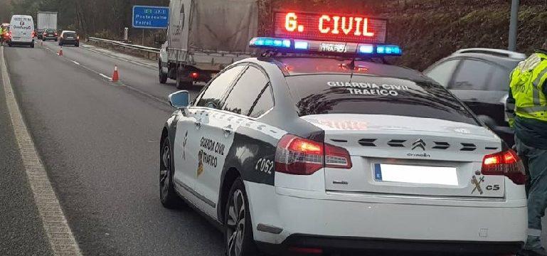 La DGT denuncia a 5.172 conductores en una semana «control distracciones»
