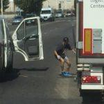 Un camionero herido atropellado por un delincuente con antecedentes que sorprendió robando las baterías del camión