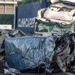 Cuatro muertos en una furgoneta aplastada entre dos camiones en un atasco en A44 en Wunnenberg