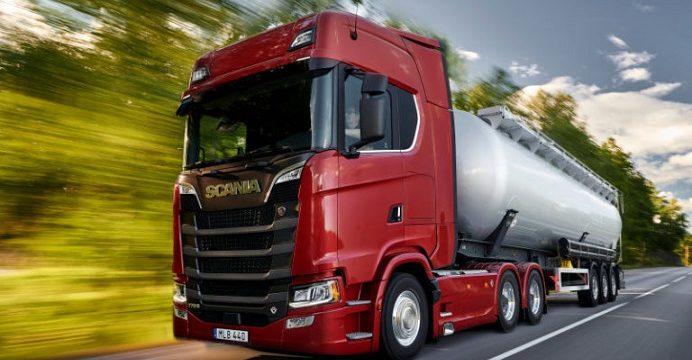 Scania 770S V8 edizione 2020 strada 768x432 1