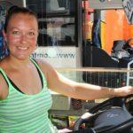 Lenka ha estado soñando con conducir un camión desde que tenía dieciocho años