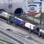 Londres prevé atascos de 7.000 camiones para cruzar el Canal tras el Brexit