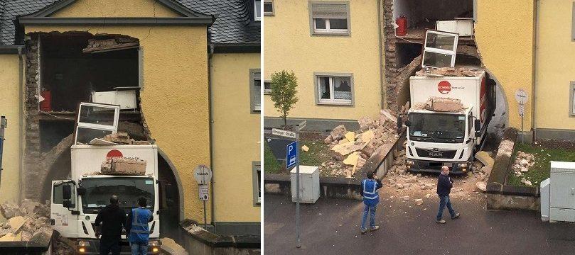 Un camión derriba la fachada de una casa en Tréveris