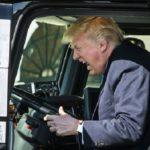 Donald J. Trump y su esposa acaban dando positivo en Coronavirus, tras despreciarlo.