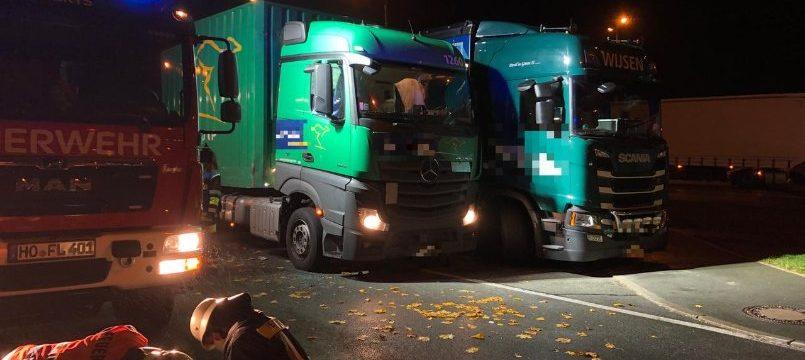Un conductor de camión fallece atrapado en el estacionamiento de la A9 entre el remolque y la tractora cuando iba a acoplar