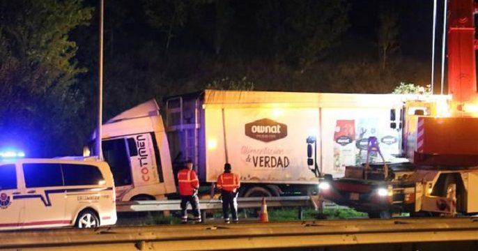 camion accidentado U30953722120elH U12047266440