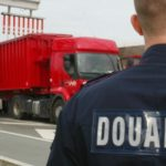 Encarcelado un camionero español, acusado de traficar 56 kg de cannabis escondidos en el depósito