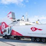 España cede en la franquicia de combustible para los transportistas marroquíes