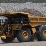 Caterpillar renueva su primer camión minero gigante