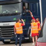 Los camioneros no pueden lavarse en los Países Bajos: «Casi todos los lugares donde podía hacerlo están cerrados»